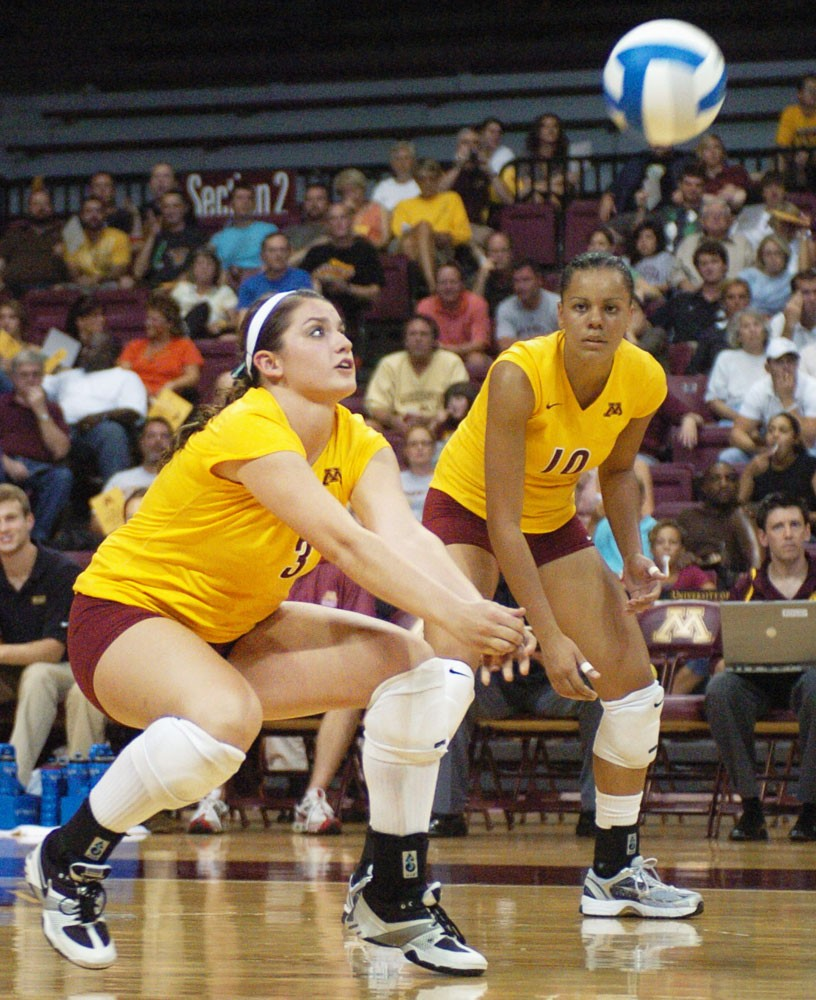 Gophers suffer first home loss to North Carolina