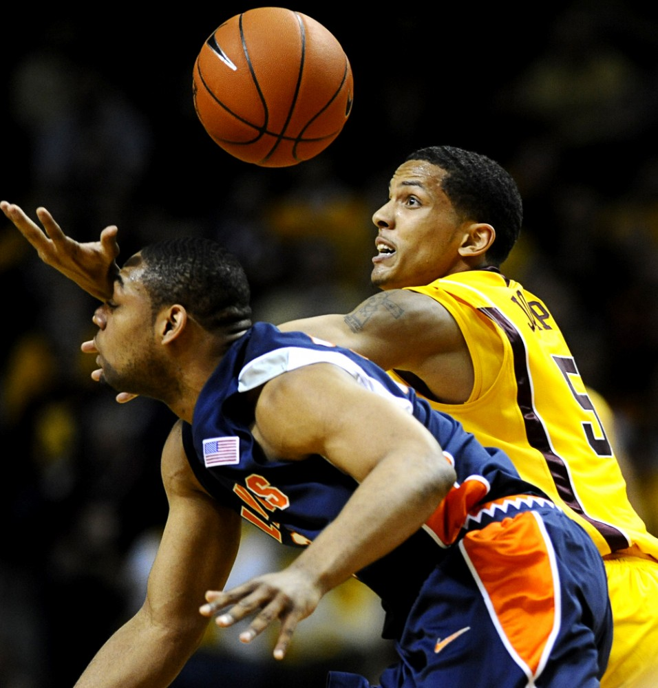 Gophers hold No. 20 Illinois to 36 points in convincing win