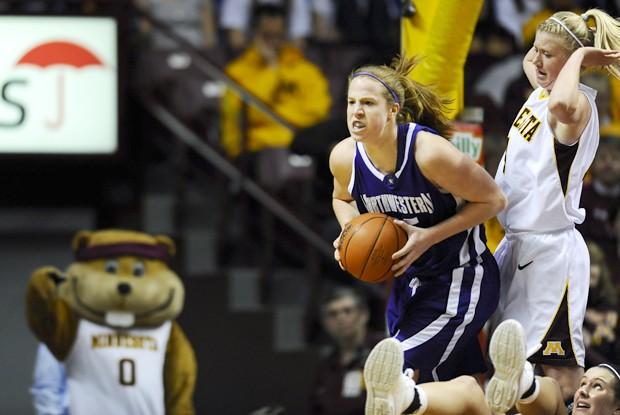 Ellis-Milan shines as Gophers avoid home loss to Northwestern