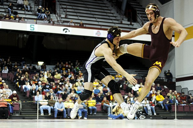 Gophers bounce back from Friday loss to beat Northwestern