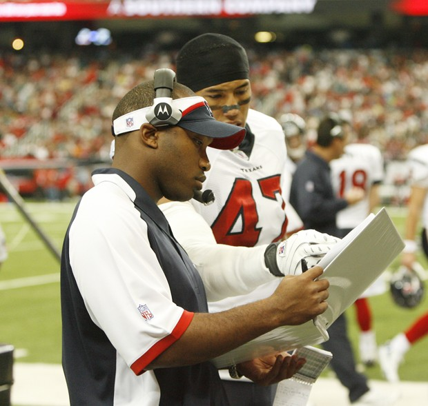 New receivers coach Richard Hightower previously helped coach special teams with the Houston Texans in the NFL.      Photo Courtesy The Houston Texans