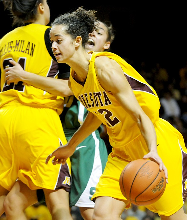 Gophers battle through offensive woes to get win