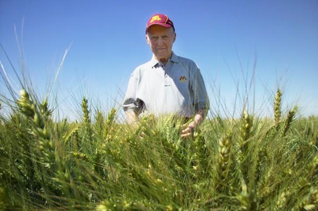 Norman Borlaug, Ciudad Obregon, Mexico at CIMMYT wheat research station.  March, 2006.