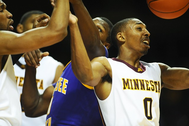 Spreading the ball could help keep Gophers going