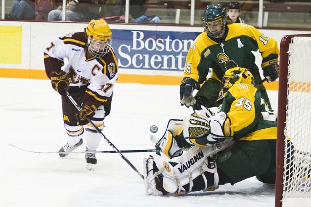 Minnesota sweeps No. 3 Clarkson