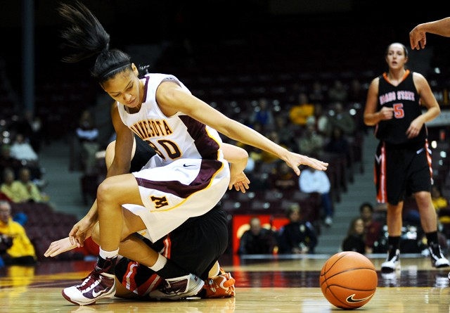 Buford leads in Gophers' home rout