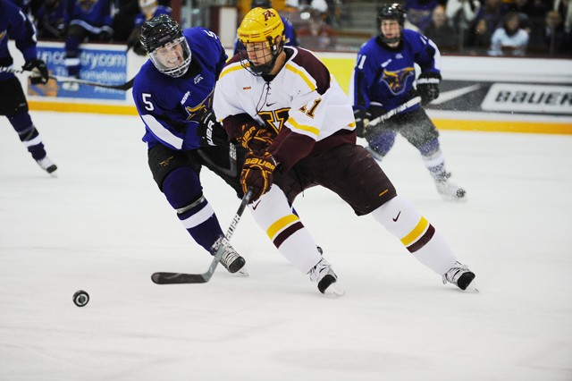 Gophers struggling to keep pace in WCHA without Friday wins