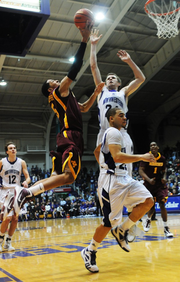 Gophers blow big lead, fall to 'Cats