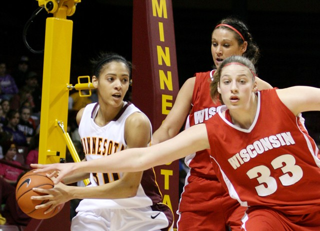 Gophers fall to Wisconsin in double overtime