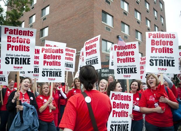 Nurses at the Abbott Northwestern Hospital strike Thursday.