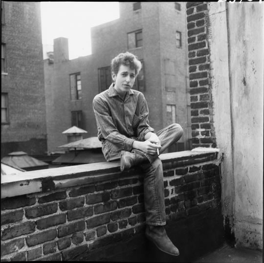 Somewhere below this New York rooftop, Dylan discovered his charming violinist.