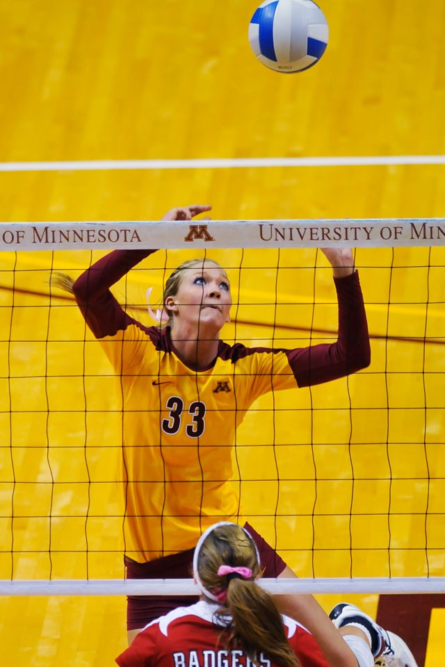 Gophers junior setter Stephanie Nucci plays against Wisconsin Sunday at the Sports Pavilion.