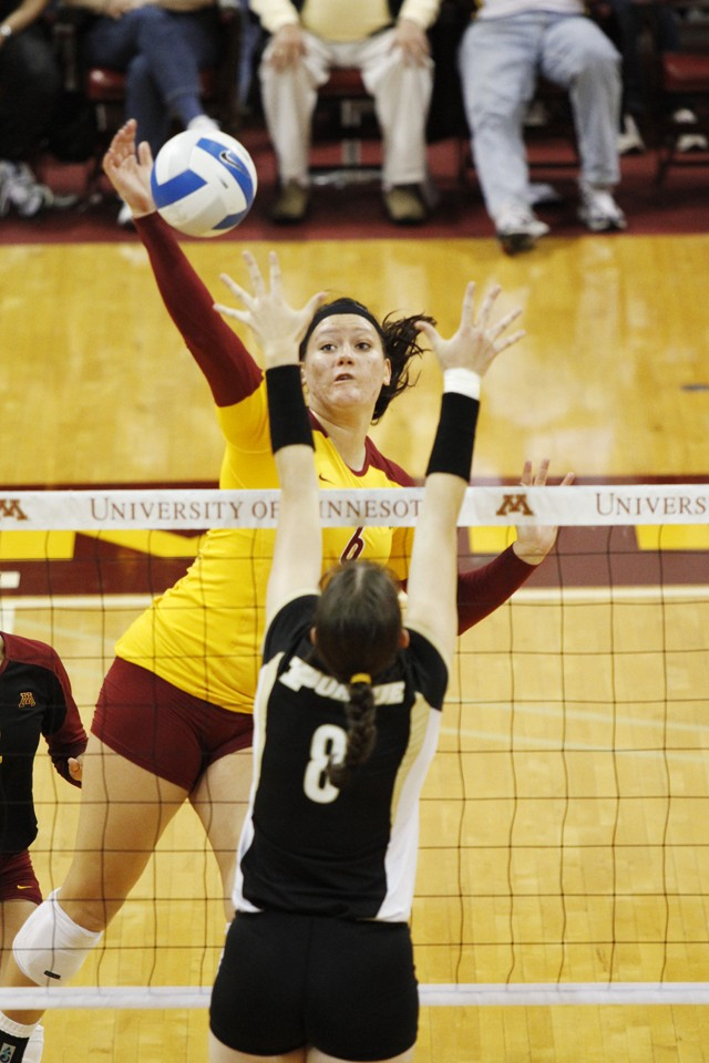 Volleyball gets two wins Homecoming weekend