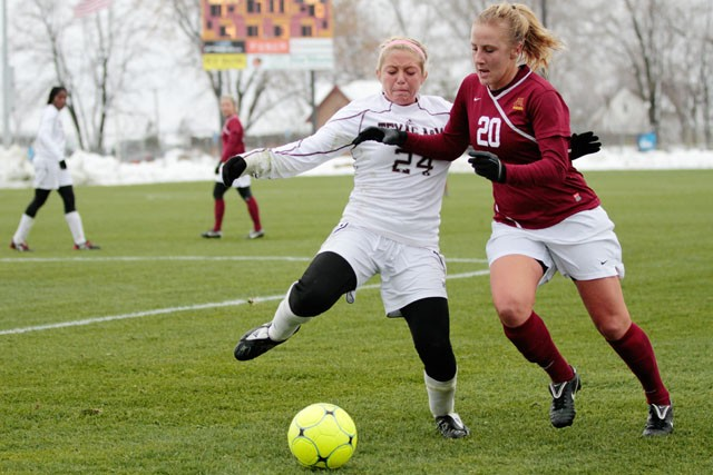 Soccer advances to Sweet 16 after upset of Texas A&M