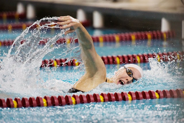 Both men and women beat Wisconsin at 'Pack the Pool'