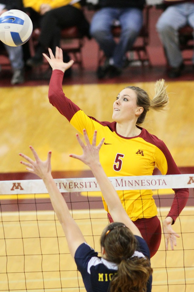 Gophers at full strength for final road trip