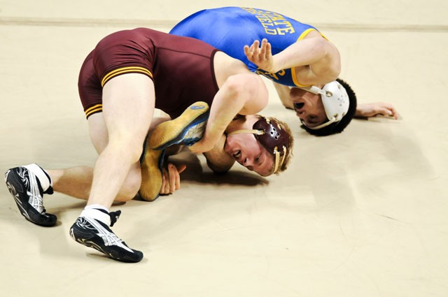 Banged-up Minn. opens Big Ten duals with big win