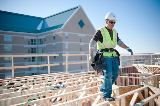 Apartments rise as vacancy stays flat