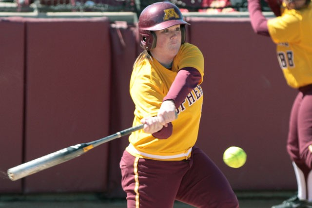 Against Badgers, Gophers look for rare series win