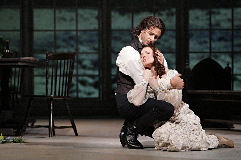 Lee Poulis as Heathcliffe an  Sara Jakubiak as Catherine emote as much Bernard Herrmann's work will allow.