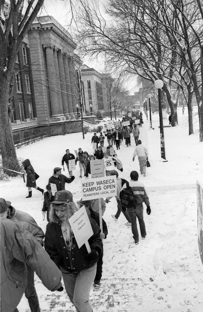 UMW supporters march on Northrup Mall in defense of their campus in Jan. 1991.