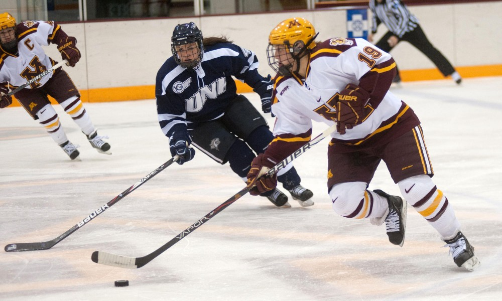 No. 2 Gophers travel to North Dakota to face rival Sioux