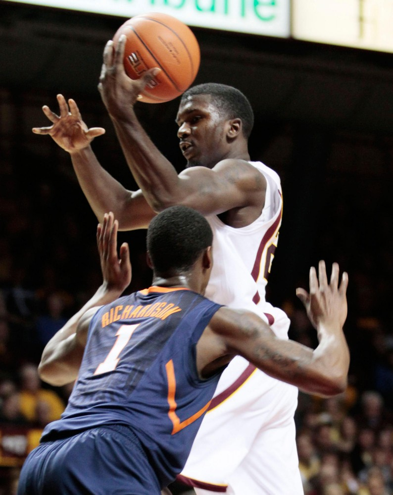 Armelin leads Gophers to improved finish