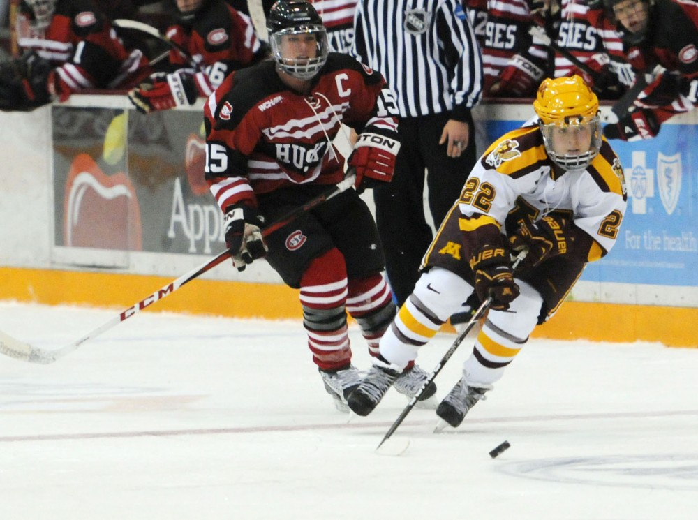 Wk1: Minnesota forward Hannah Brandt controls the puck Oct. 6 at Ridder Arena against St. Cloud State. (Ichigo Takikawa, file photo)