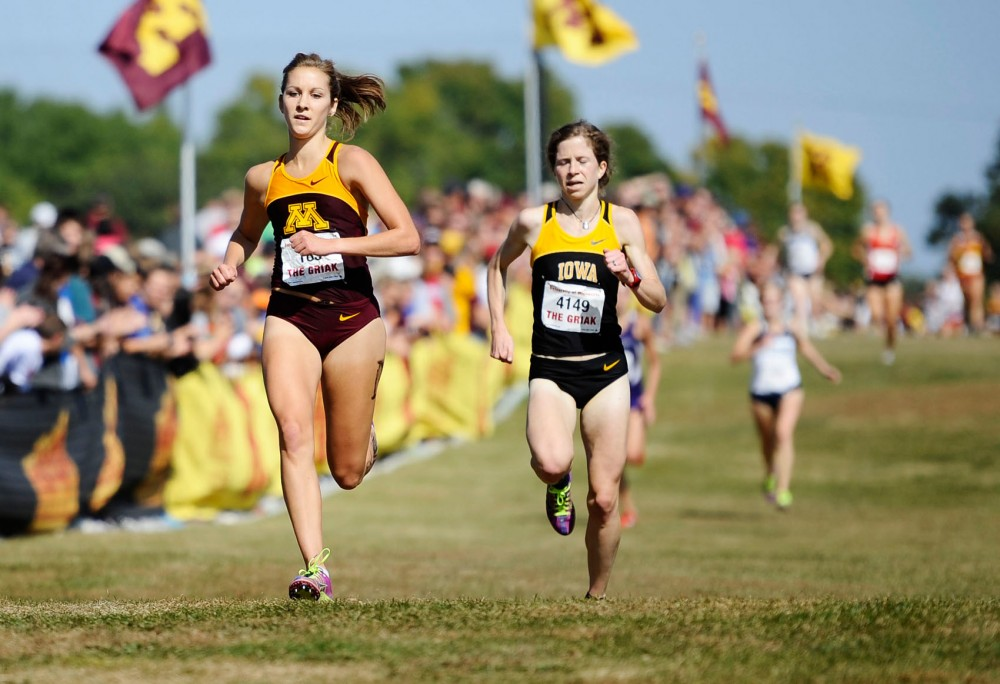 Minnesota junior Laura Docherty runs at the Jack Johnson Women's Gold - Division I on Sept. 29, 2012 at Les Bolstad Golf Course.