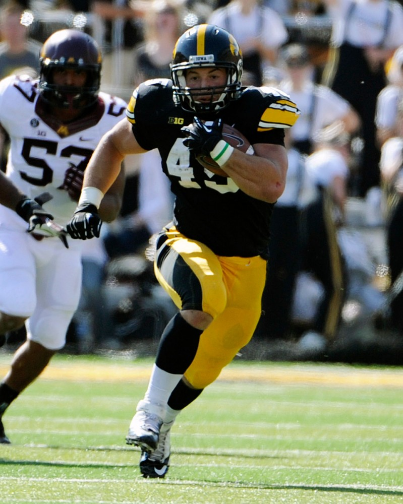 Iowa running back Mark Weisman runs the ball against the Gophers on Saturday, Sept. 29, 2012 at Kinnick Stadium in Iowa City, Iowa. Weisman had 21 carries for 177 rushing yards and a touchdown last season against Minnesota. Credit: Iowa Athletic Communications Office