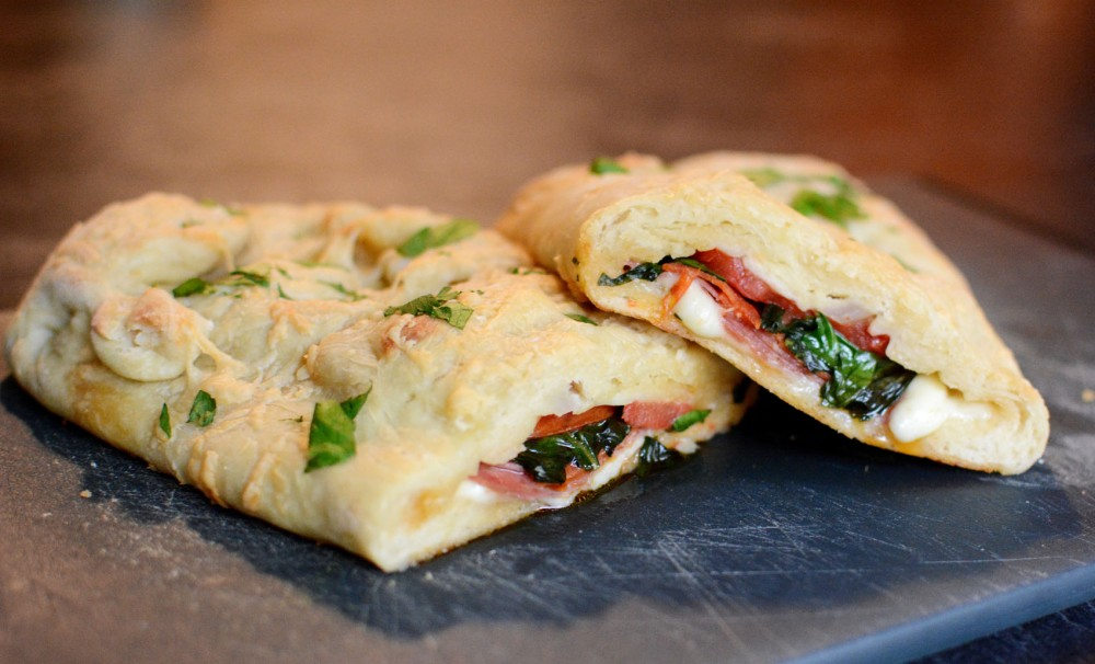 A simple stromboli can provide delicious sandwiches for the week and can be filled with various ingredients.