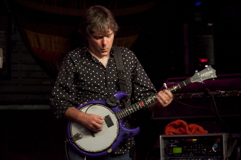 Béla Fleck takes the banjo from its porch stompin' roots to modernity.