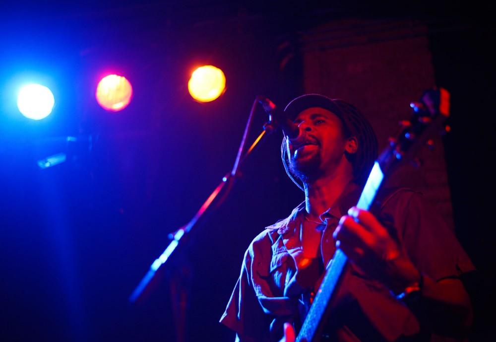Guitar player and vocalist Tenn