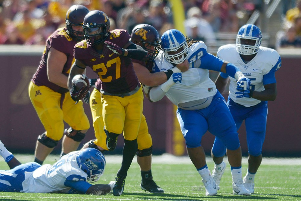 Minnesotas running back David Cobb runs the ball against Middle Tennessee on Saturday at TCF Bank Stadium.