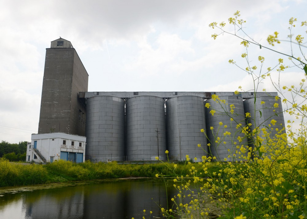 The University Board of Regents authorized the purchase of the land occupied by the now-abandoned Electric Steel Elevator at a board meeting on June 19. The agreement includes the demolition of the existing elevator and 32 silos, leaving the land to the University for future development.