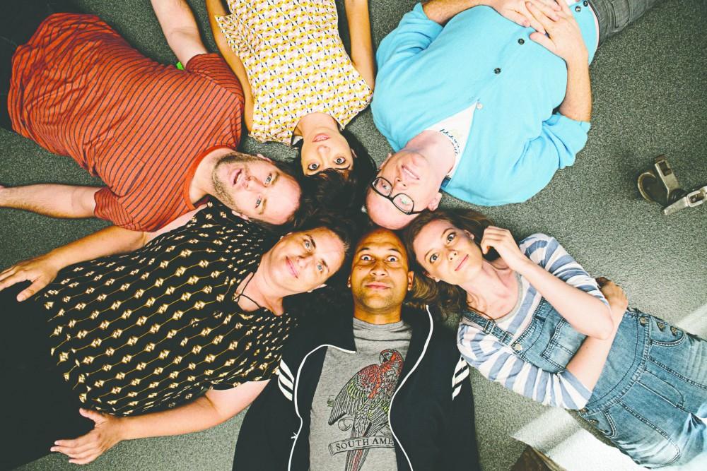 Counter clockwise, Keegan-Michael Key, Gillian Jacobs, Chris Gethard, Kate Micucci, Mike Birbiglia and Tami Sagher in Mike Birbiglia's Dont Think Twice.