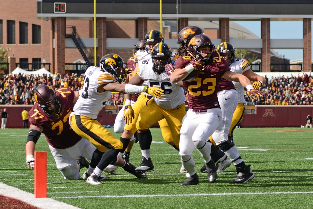 Gophers running back Shannon Brooks races into the end zone for a touchdown at TCF Bank Stadium on Oct. 8, 2016. Brooks scored the Gophers' only touchdown of the game.