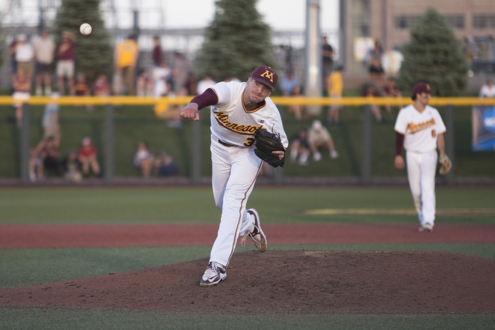 <p>Reggie Meyer pitches to Canisius during the game on Friday, June 1, 2018 at Siebert Field. The Gophers beat Canisius 10-1.</p>