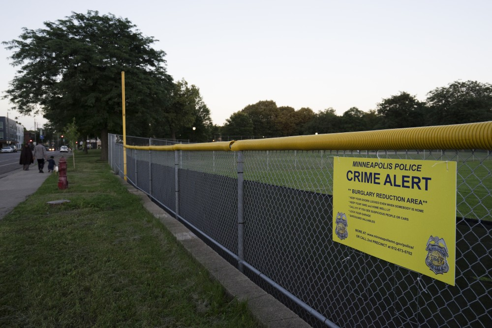 Minneapolis police posted signs along Como Avenue SE urging people to lock their doors and keep lights on because of an uptick in burglaries in the area.
