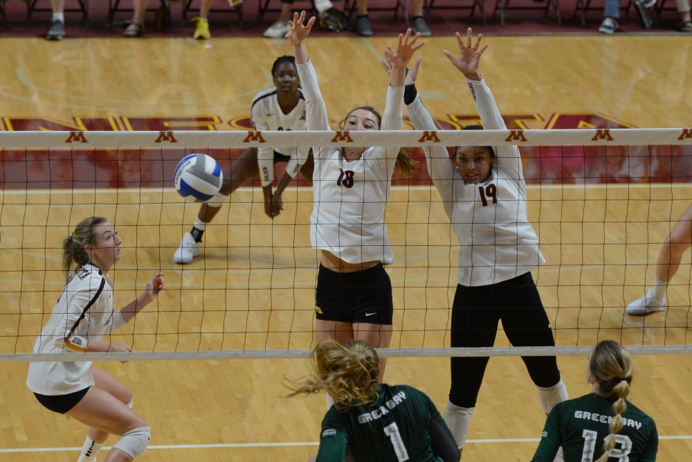 Gopher women's volleyball defeated Green Bay in three straight sets on Thursday, Sept. 13.