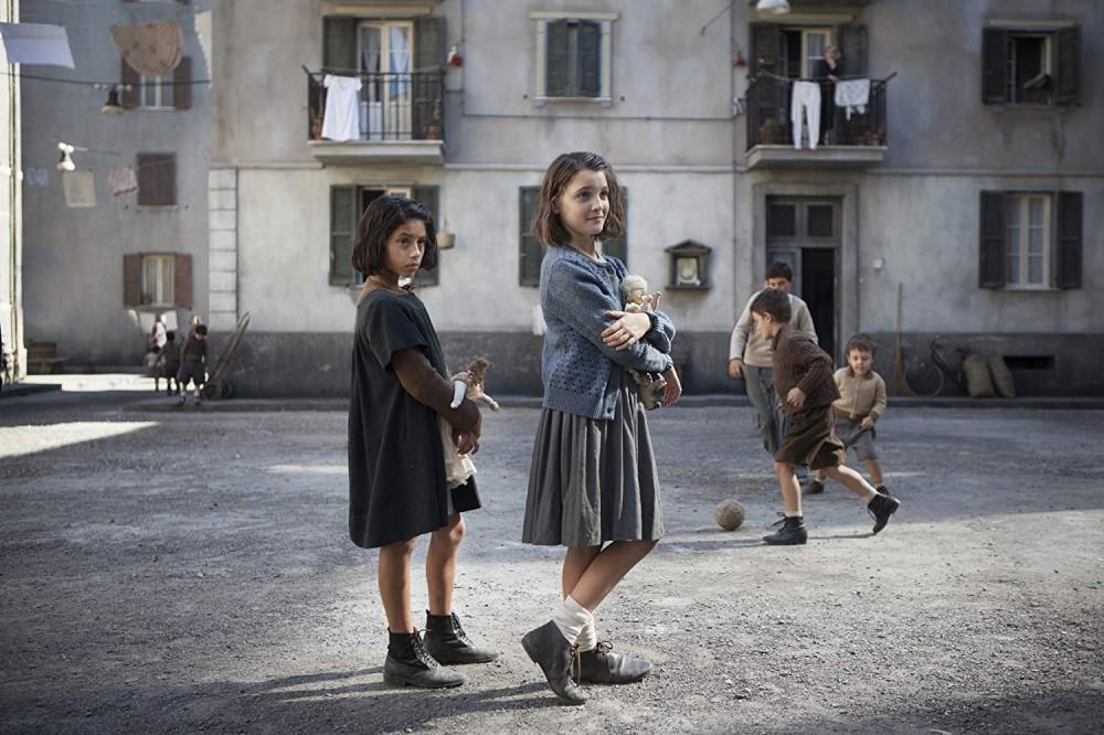 Elisa del Genio and Ludovica Nasti in My Beautiful Friend.