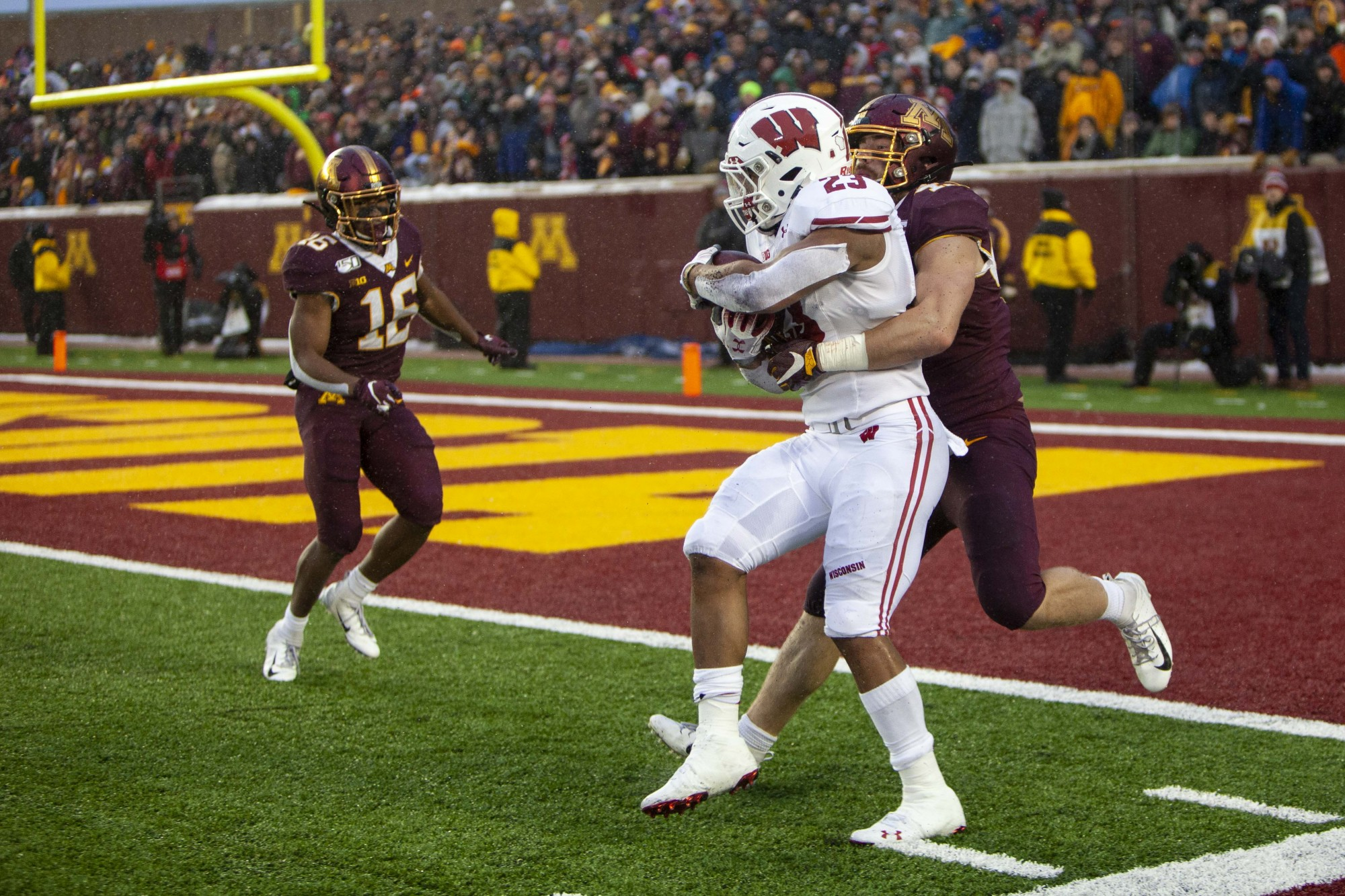 Wisconsin scores a touchdown late in the second quarter at TCF Bank Stadium Saturday, Nov. 30.