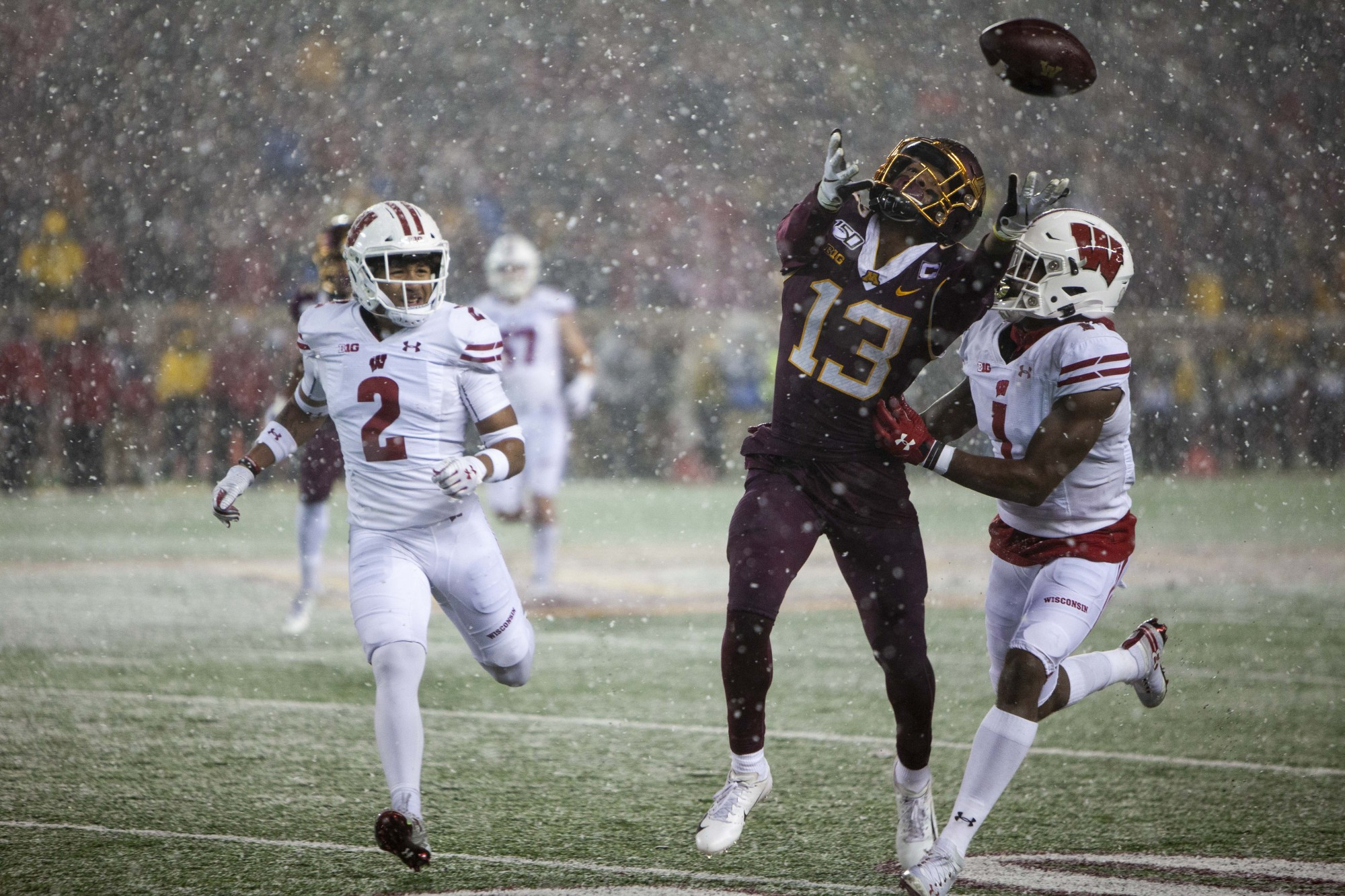 Wide receiver Rashod Bateman misses a pass during the Gopher game against the Badgers at TCF Bank Stadium on Saturday, Nov. 30.