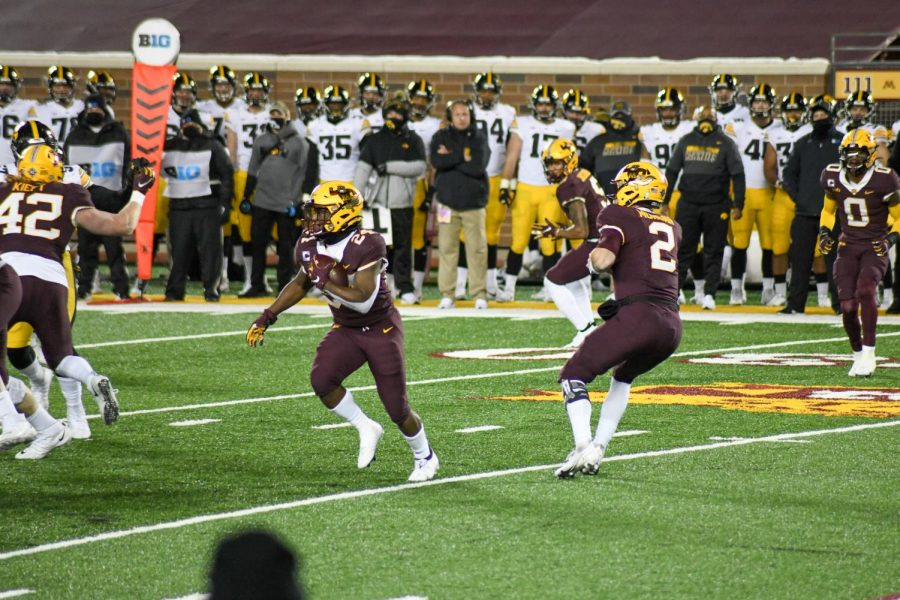 Gophers+running+back+Mohamed+Ibrahim+carries+the+ball+at+TCF+Bank+Stadium+on+Friday%2C+Nov.+13.+The+Gophers+fell+to+the+University+of+Iowa+Hawkeyes+35-7.
