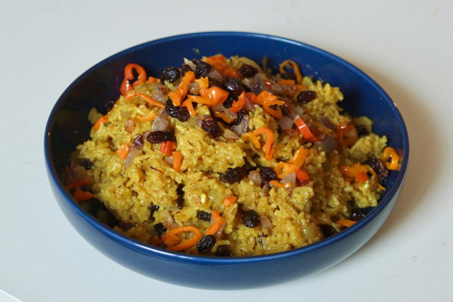 The+finished+dish+of+bariis+iskukaris%2C+a+traditional+Somali+rice+dish%2C+prepared+for+the+Sharing+Food+series+on+Sunday%2C+Jan.+31.+The+recipe+was+shared+with+the+Minnesota+Daily+by+the+Somali+Student+Association.