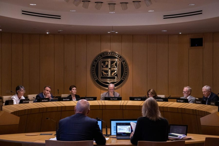 President+Joan+Gabel+and+the+Board+of+Regents+discuss+the+Universitys+2022+budget+in+McNamara+Alumni+Center+on+Tuesday%2C+June+29.