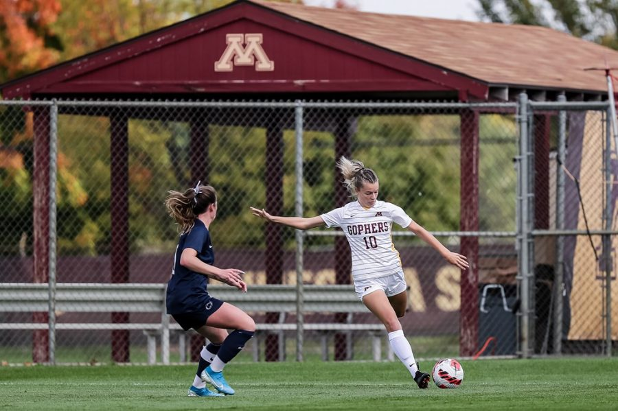 Sophomore+Christa+VanLoon+fires+the+ball+upfield+in+a+match+against+Penn+State+on+Sunday%2C+Oct.+3%2C+2021%2C+at+Elizabeth+Lyle+Robbie+Stadium+in+Falcon+Heights%2C+Minn.